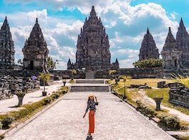 Morning Borobudur Sunrise Tour - From Yogyakarta