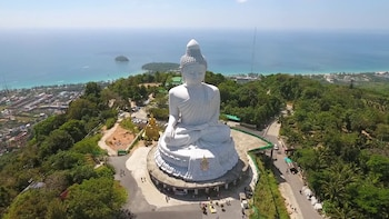 Amazing Phuket Island Guided Tour