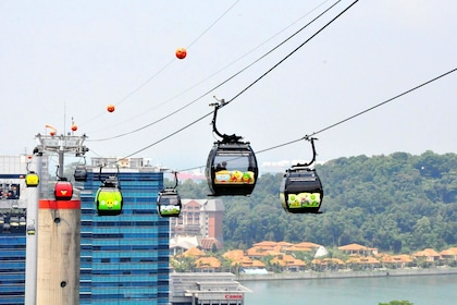 Day view of the Singapore Cable Car