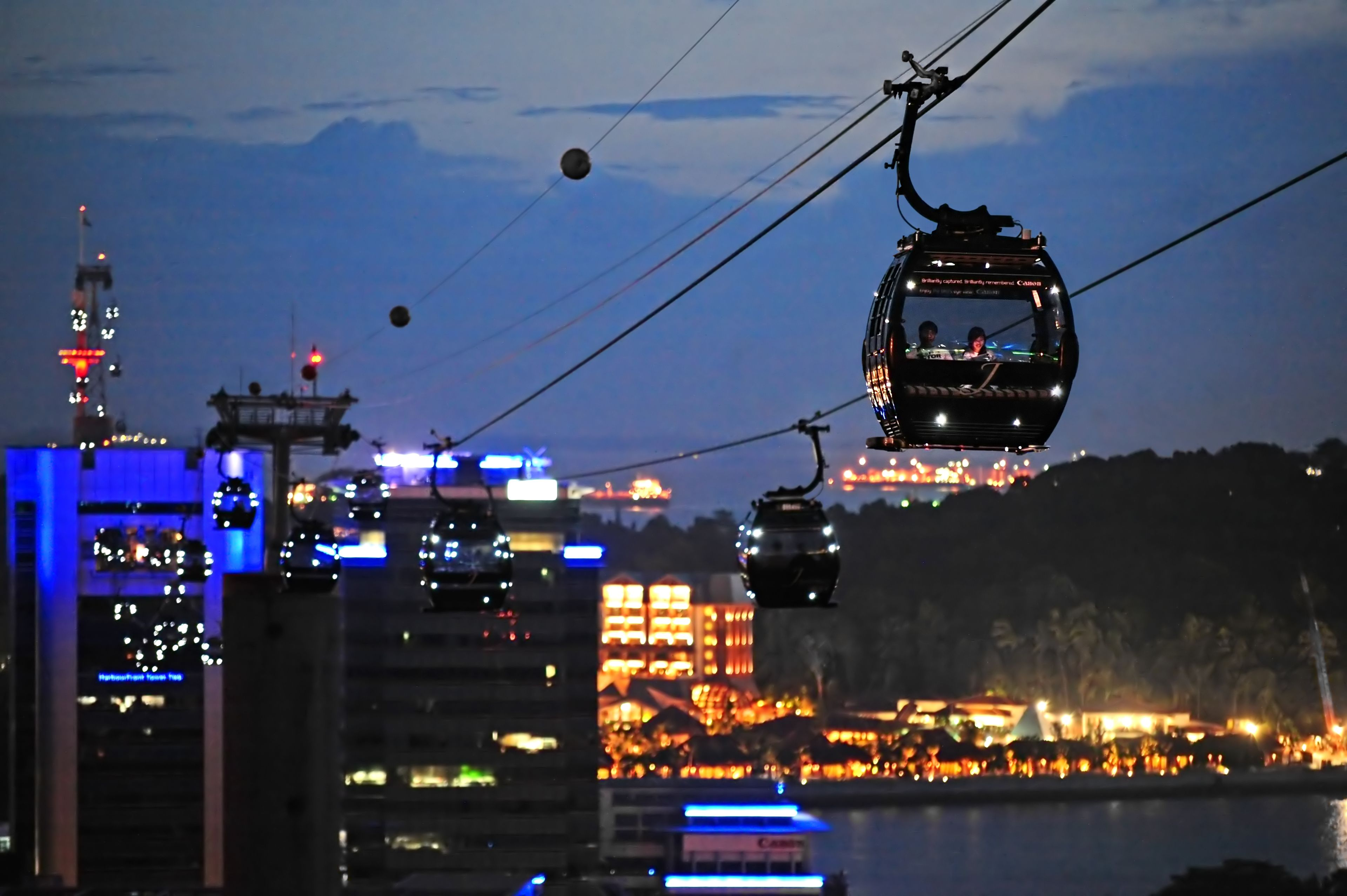 Evening views of the Singapore Cable Car