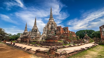 Ancient Temples of Ayutthaya & River Cruise