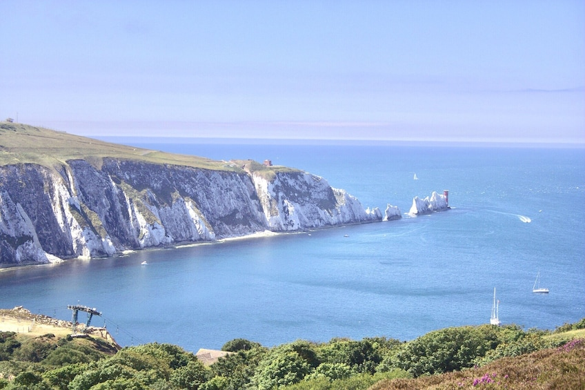ISLE OF WIGHT & PORTSMOUTH - Guided Day Tour from Brighton
