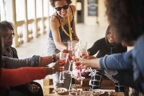 Half-day Wine and Cava Boutique Winery Tour with Tapas