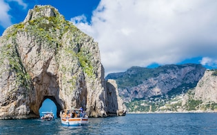 Capri Boat Experience: Swim & Relax