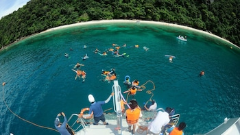 Blu Anda Catamaran Tour to Phi Phi Island