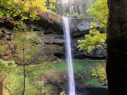 Silver Falls Outdoor Hiking Adventure