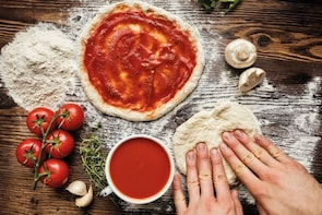 Pizza and Gelato Making Cooking Class from Lucca