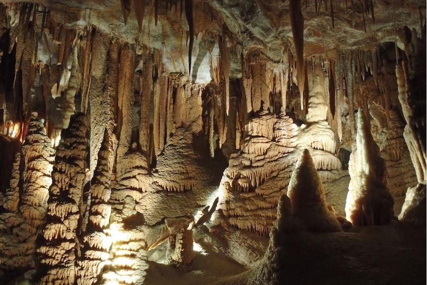 Cargar ítem 2 de 9. The Orient Cave Tour - Beauty Unsurpassed