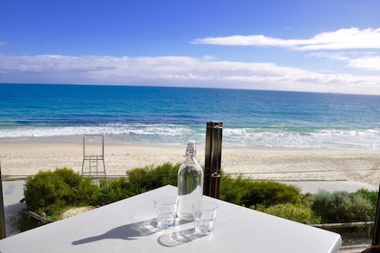 Scenic lunch location at Cottesloe beach