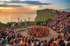 Uluwatu Cliff Temple Sunset Tour with Kecak Show and Dinner