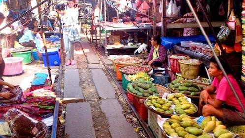 The Maeklong Risky Market