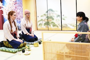 Japanese sweets making and Tea Ceremony in Osaka