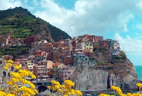 Cinque Terre Discovery & Vineyards Escape with Seafood Lunch