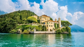 Lake Como Sightseeing Tour from Como