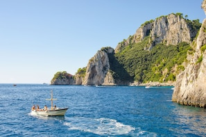 Cruise to Capri on a Private Boat Excursion from Amalfi