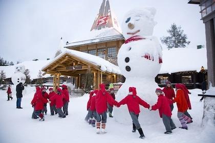 elves-dancing-santa-claus-office-arctic-circle-rovaniemi-1.jpg