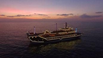 Phijittra Dragon Boat Sunset Dinner Cruise