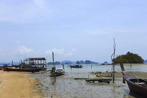 Community Connection at Koh Yao Noi