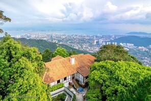 Penang City Tour with Kek Lok Si & Penang Hill(Fast Lane)
