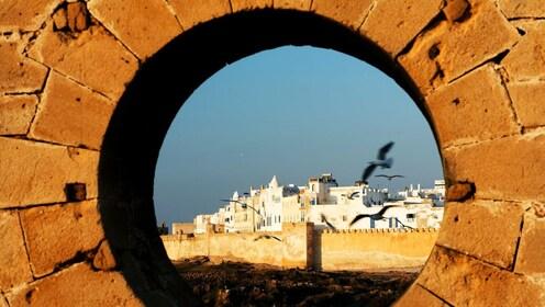 rsz_morocco_essaouira_porthole-view-e1489705389484-1170x660.jpg