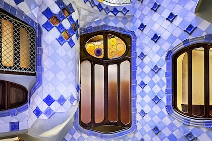 Gaudí Houses: Skip The Line Casa Batlló & Casa Milà