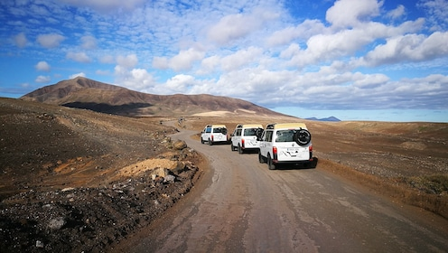 4WD off-road vehicles touring Lanzarote South