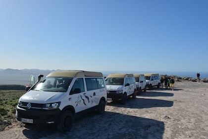 4WD off-road vehicles stop in Lanzarote South