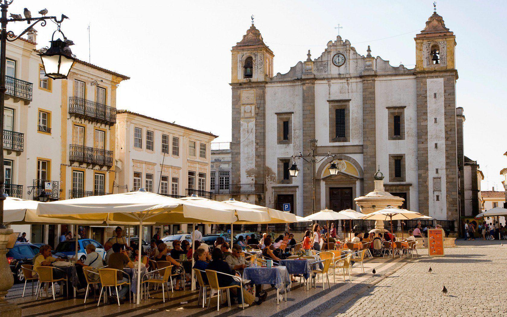 Adult Guide in Evora