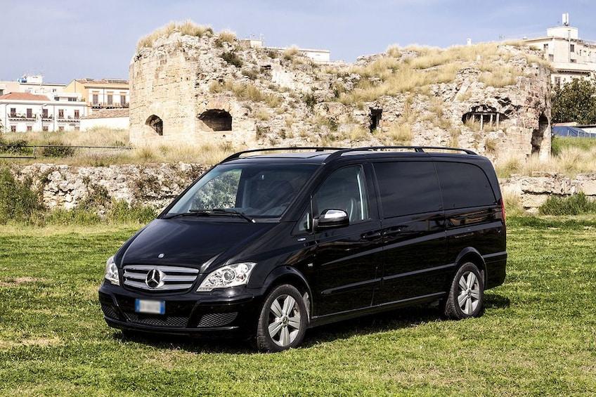 Minivan transportation in Italy