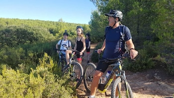 Aix-en-Provence Electric Mountain Bike Tour