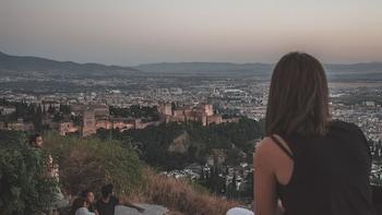 Granada Night Adventure Tour