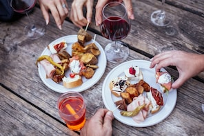 The Ultimate Aperitivo Wine & Bites Private Tour in Venice