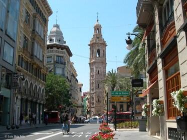 Street view of Iglesia de Santa Catalina in Valencia