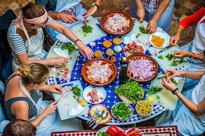 Marrakech: Traditional Moroccan Cooking Class & Market Tour