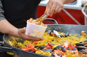 Authentic Paella hands-on cooking class with dinner