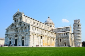 Pisa & the Leaning Tower Half Day Tour
