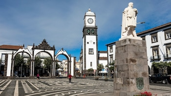 Ponta Delgada Small Group Walking Tour