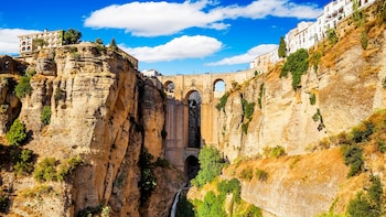 Ronda and Winery - Guided Tour from Málaga and Costa del Sol