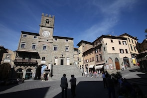 Cortona private walking tour Under the Tuscan Sun