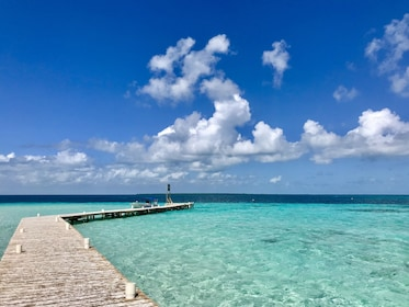 Turquoise waters of Goff's Caye