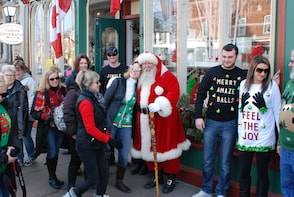 Ugly Holiday Jumper Food Tour in Niagara on the Lake