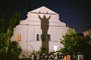New Orleans Ghost Tour by Bike