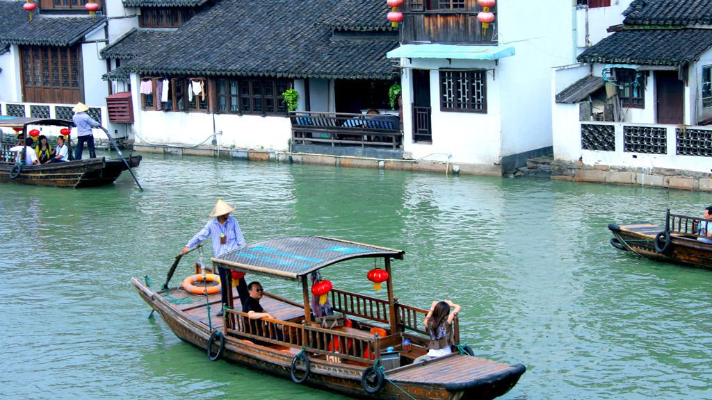 1-Day Private Fengjing Water Town & Farm Life from Shanghai