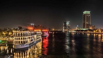 Nile Dinner Cruise in Cairo with Belly Dancing