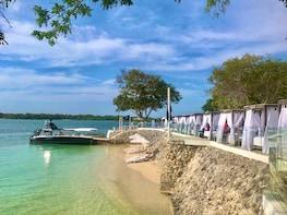Islas del Rosario Bora Bora Beach Club Trip from Cartagena