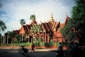 4 Days Private Guided Tour of Phnom Penh & Siem Reap