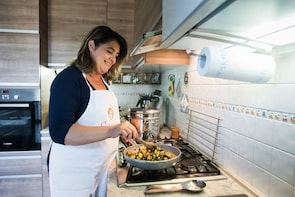 Private cooking class at a Cesarina's home in Venice