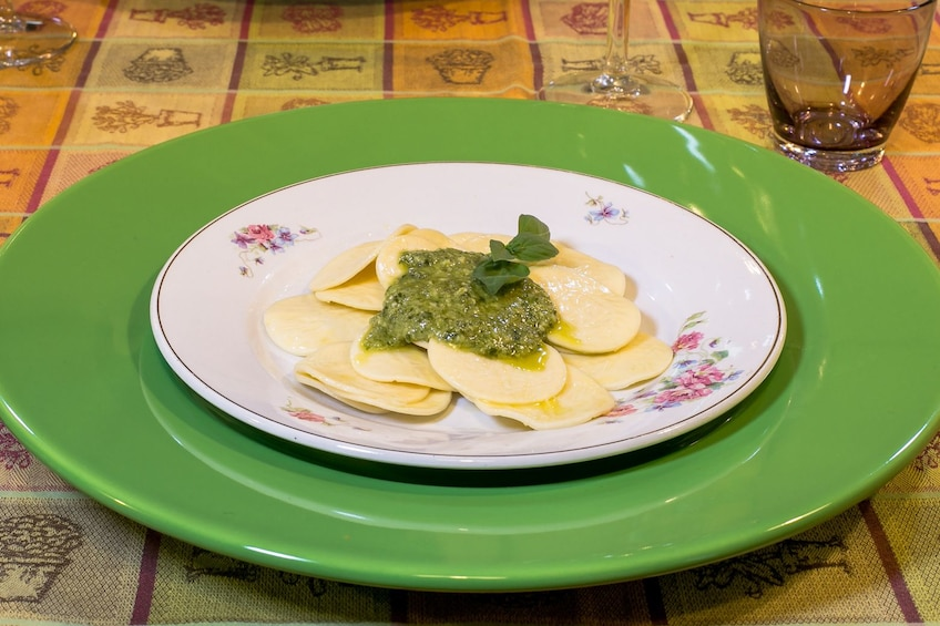 Private Market tour + 4-course Meal in local home in Genoa