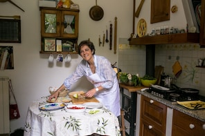 Private cooking class at a Cesarina's home in S. Gimignano