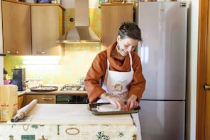 Private cooking class at a Cesarina's home in Lecce